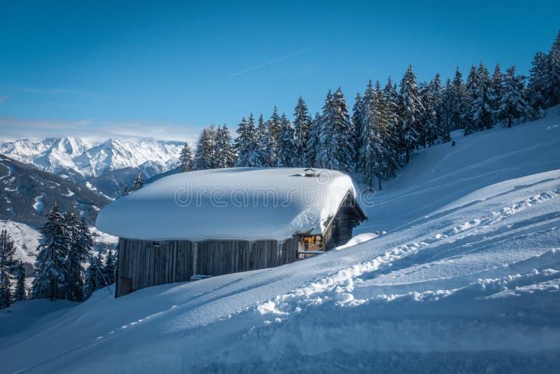 narciarski teren z fantastyczną pogodą fotografia stock