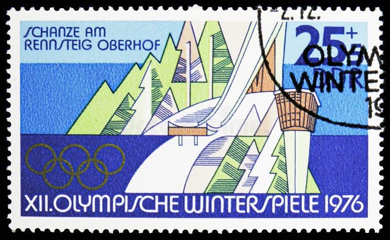 Narciarskiego doskakiwania wzgórze przy Rennsteig, Oberhof, zim Olympics 1976, Innsbruck seria około 1975, fotografia stock