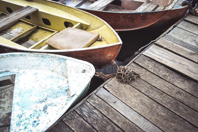 Narices del barco y primer del muelle imágenes de archivo libres de regalías