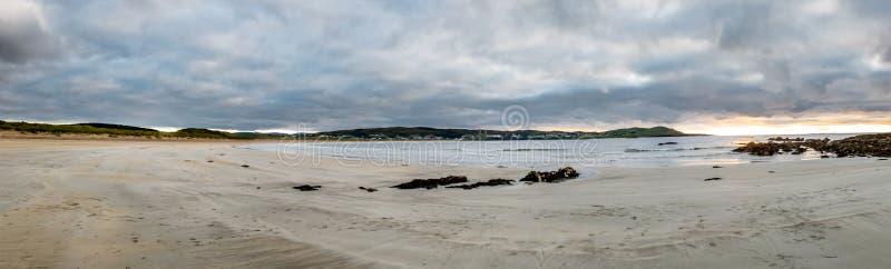Narin Strand es una hermosa playa de bandera azul en Portnoo, condado de Donegal - Irlanda fotografía de archivo