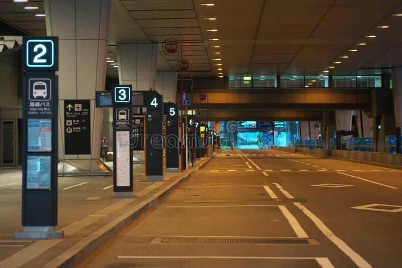 Narita internationella andra slutliga hållplatser tidigt på morgonen arkivfoton