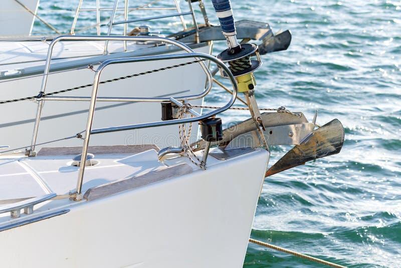 Narizes e âncoras do barco imagens de stock royalty free