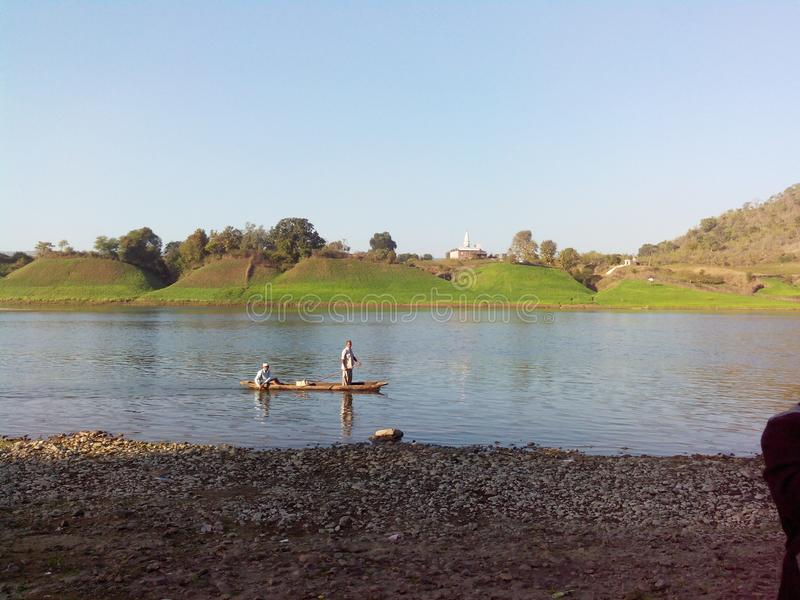 Narmada flod Indien arkivfoto
