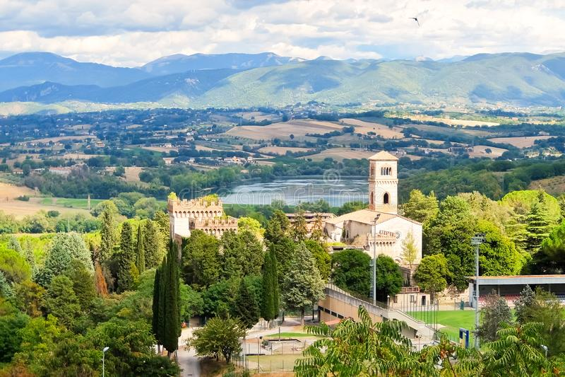 Narni, Italien Ansicht des alten Schlosses Castello di San Girolamo lizenzfreies stockbild