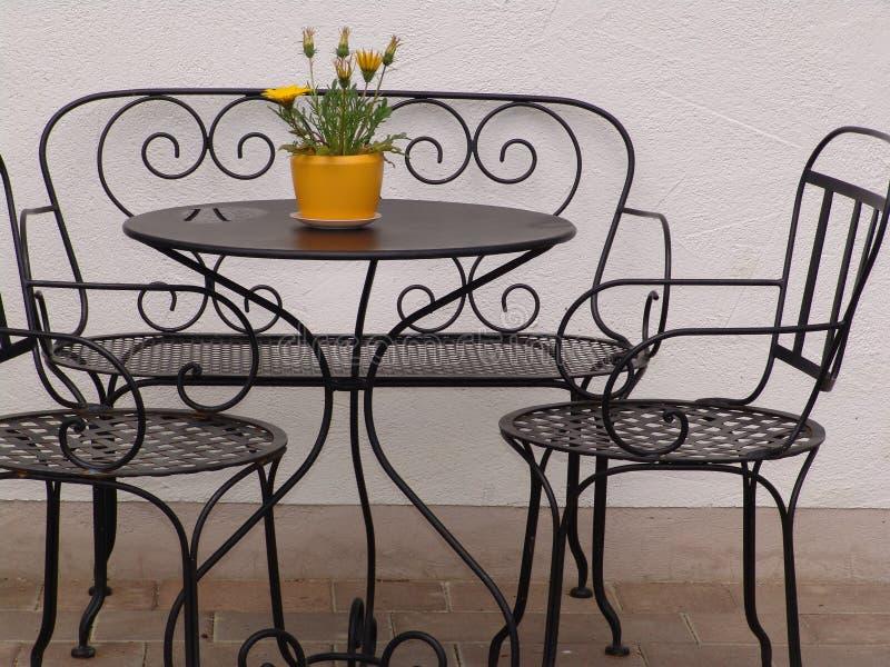 Download Narożny Romantyczne Miejsce Obraz Stock - Obraz złożonej z krzesła, seating: 129003
