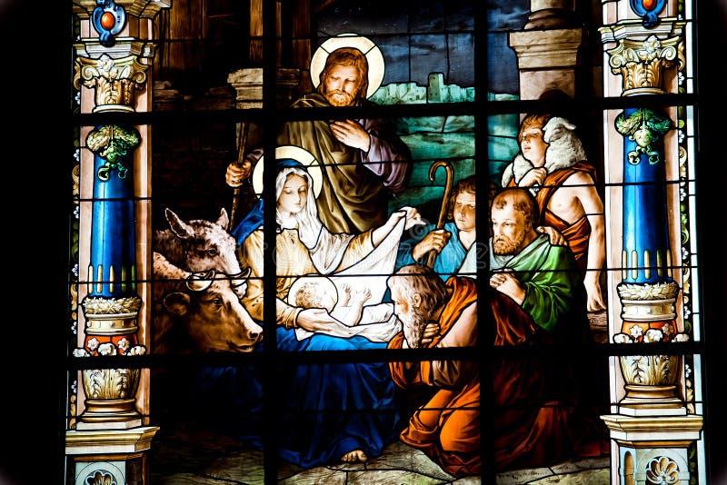 Narodzenie Jezusa Scena. Witrażu okno zdjęcie royalty free