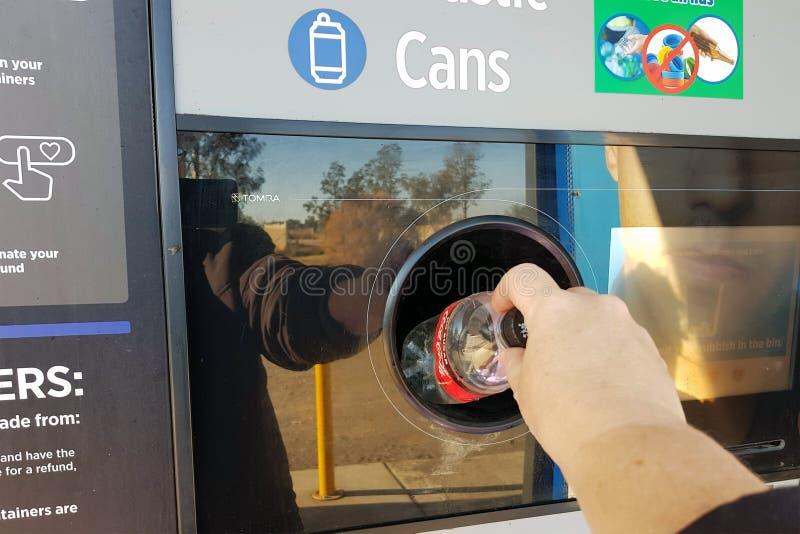 NARRABRI, NSW/AUSTRALIA 10 JUNI, 2019: De terugkeer en verdient Recycling royalty-vrije stock foto