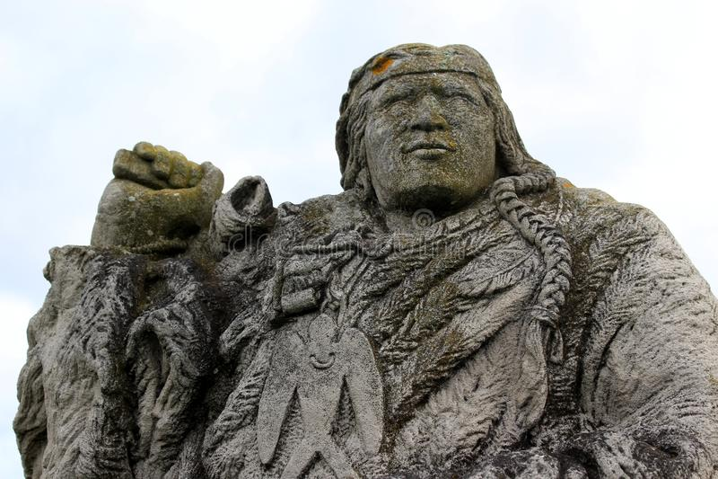 Narragansett Canonchet头目,罗德岛石灰石雕塑,2018年 免版税库存照片