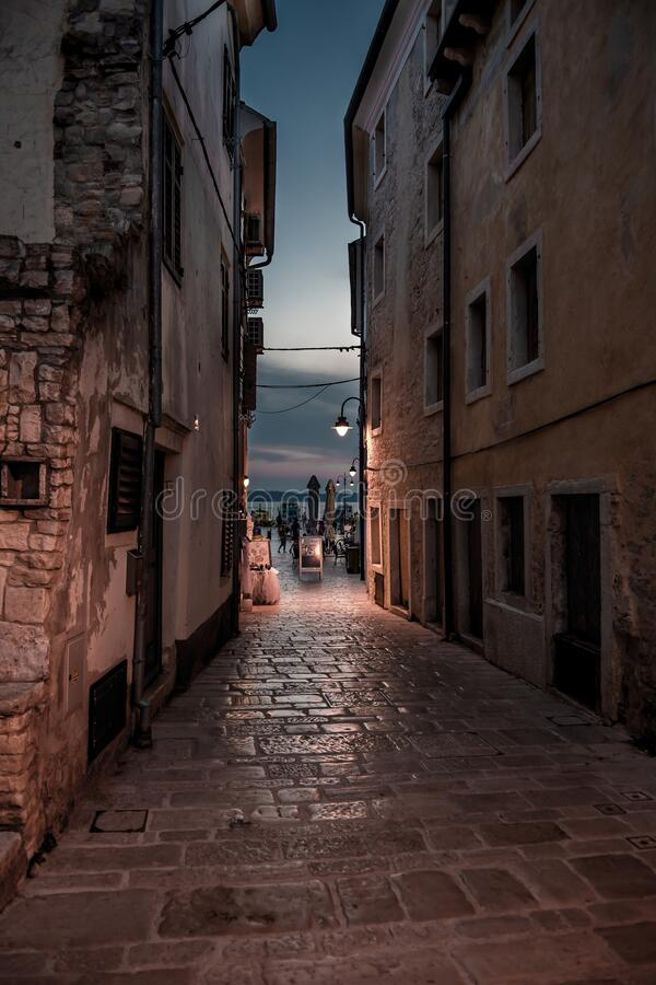 Free Narrow Alley With Old Houses In The Village Fazana In Croatia Royalty Free Stock Photo - 186980585
