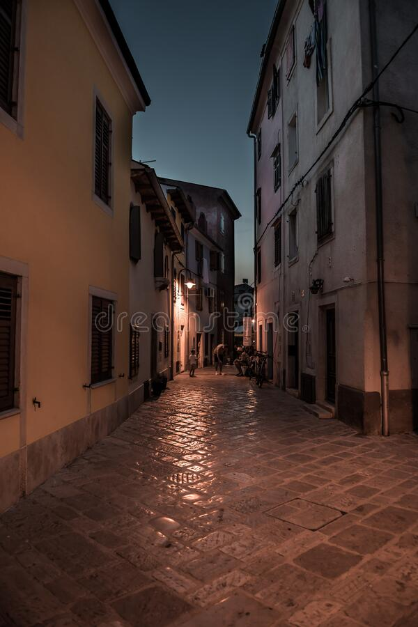 Free Narrow Alley With Old Houses In The Village Fazana In Croatia Royalty Free Stock Image - 186980716