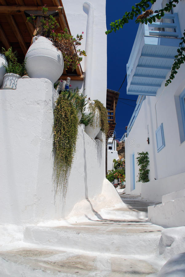 Download The Narrow Streets On The Island Of Mykonos Stock Photo - Image: 16484020