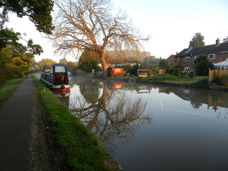 Narrowboat sul canale immagine stock libera da diritti