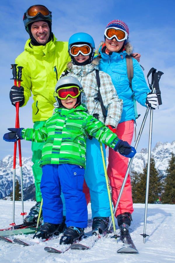 Narta, zima, śnieg, narciarki fotografia royalty free