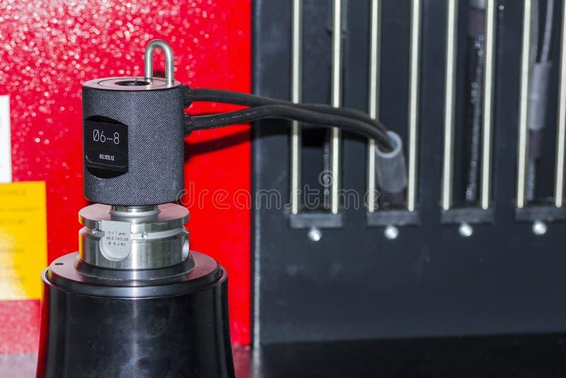 Narzędziowy położenie na narzędziowej presetter maszynie dla cnc machining centrum obrazy royalty free