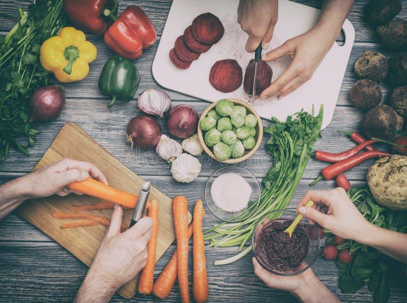 Narządzań warzywa dla posiłku obrazy stock