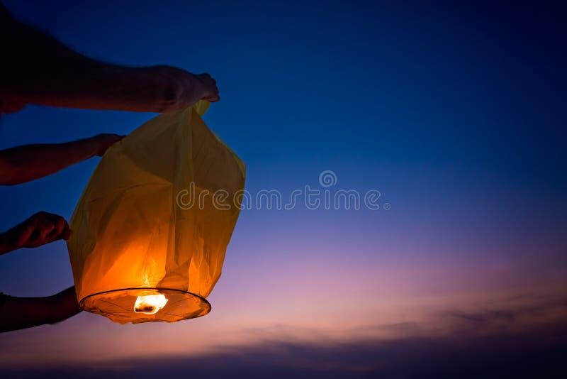 Narządzanie lampion latać obraz stock