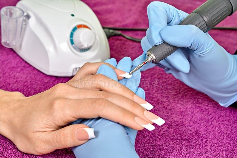 Narzędzia manicure z używać elektryczną maszynę obrazy royalty free