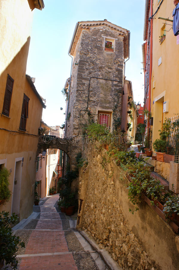Download A rua velha com arco foto de stock. Imagem de medieval - 29846578