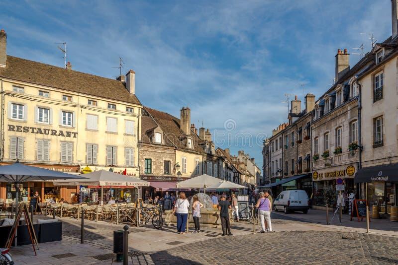 Nas ruas de Beaune foto de stock royalty free