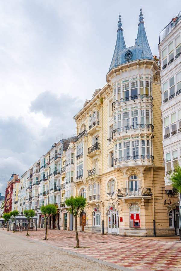 Nas ruas de Castro Urdiales Town - Espanha fotografia de stock