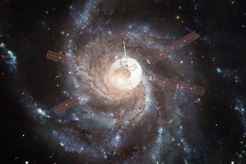 Корабль запустит в космос Красота космического пространства стоковые изображения rf