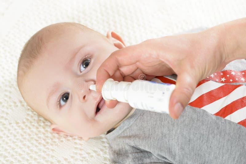 nasal spray arkivfoton