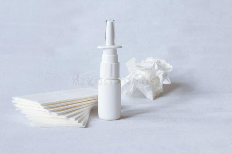 nasale Drogen, Spray und Taschentücher lizenzfreie stockfotos