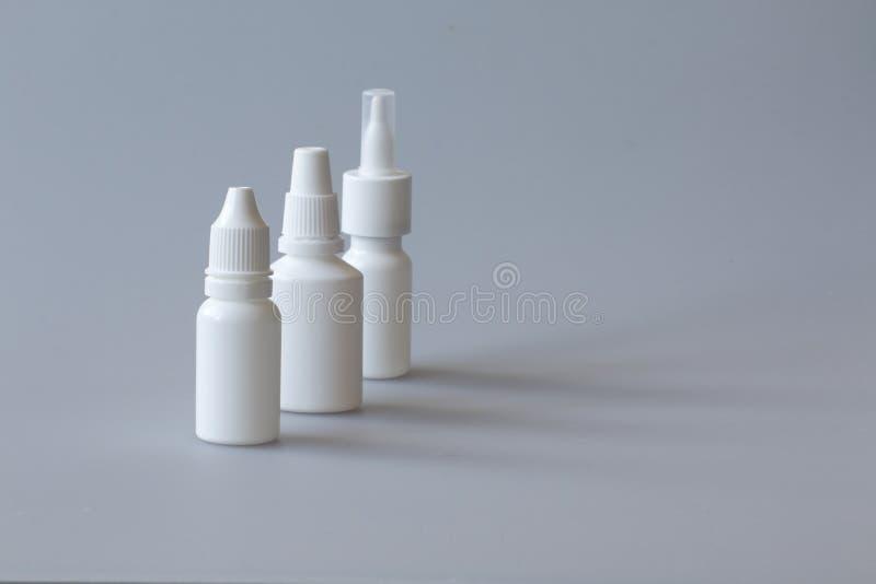 nasale Drogen, Spray und Taschentücher lizenzfreie stockfotografie