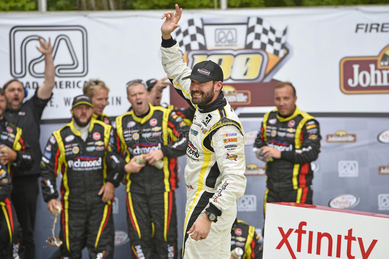 Download NASCAR :8月29日路Johnsonville 180射击的美国 图库摄影片 - 图片 包括有 活动, 速度: 59103392