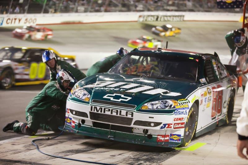 NASCAR: 21 het Ras van de Nacht van de Hulpmiddelen Irwin van augustus royalty-vrije stock afbeeldingen
