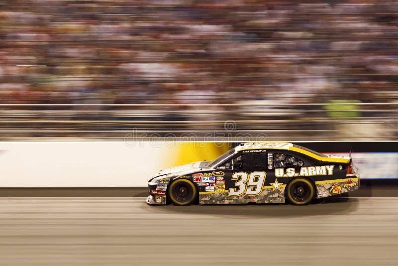 NASCAR - #39 Newman ist ein Unschärfe in Richmond stockbilder