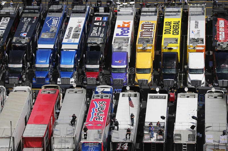 NASCAR: Apr 17 Food City 500. Bristol, TN - Apr 17, 2015: The NASCAR Sprint Cup Series teams take to the track for the Food City 500 at Bristol Motor Speedway in stock images