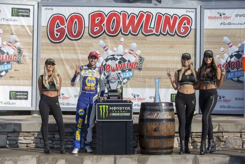 NASCAR: Augusti 04 g?r att bowla p? dalg?ngen arkivfoto