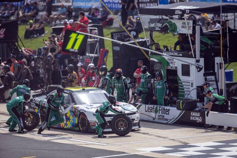 NASCAR : B?timents en acier alli?s 200 du 4 mai photographie stock libre de droits