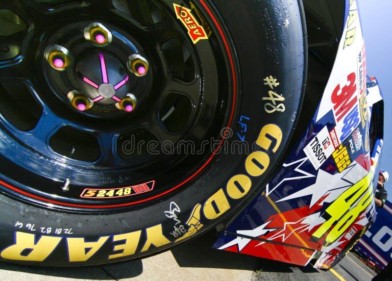 NASCAR - Borracha de Goodyear no #48 fotografia de stock
