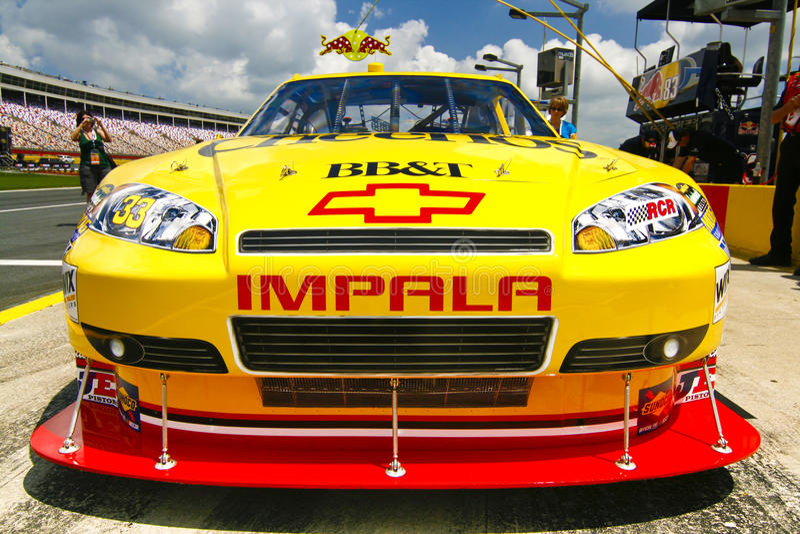 Download NASCAR - Cheerios BB&T Sponsorship Editorial Image - Image of association, arena: 16531670