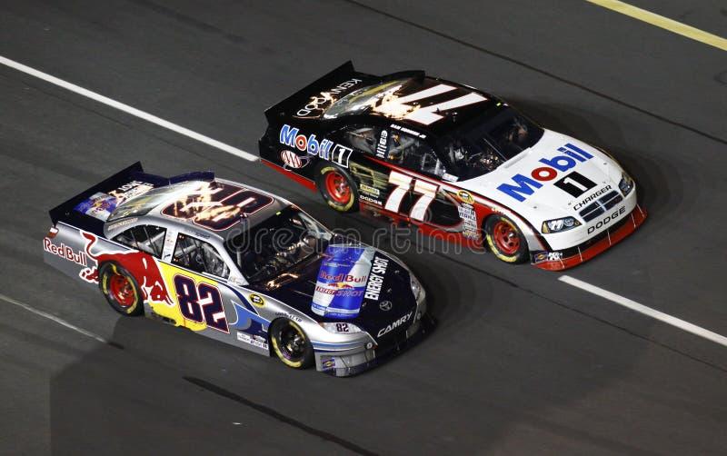 NASCAR - Collo e corsa del collo! fotografia stock libera da diritti