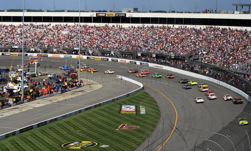 NASCAR - Draai 1 in Richmond royalty-vrije stock afbeelding