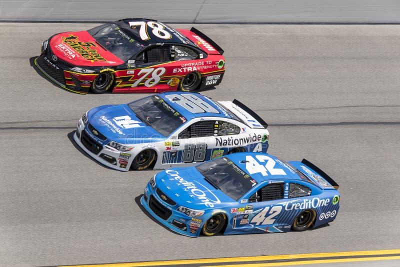 NASCAR: 19 februari Conflict van Vooruitgangs het Autodelen in Daytona royalty-vrije stock fotografie