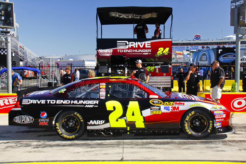 Download NASCAR - Gordon's #24 Pre Race Pit Box Editorial Stock Image - Image: 23489819