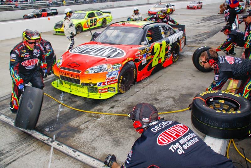 Download NASCAR - Gordon's Pit Crew Changing Tires Editorial Stock Image - Image: 21302714