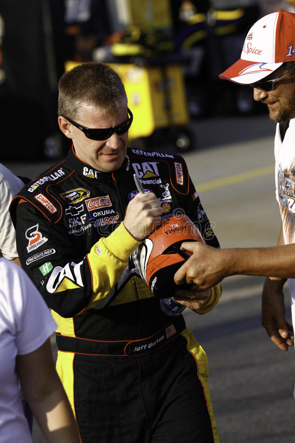 NASCAR - Jeff Burton kennzeichnet Autographe für Gebläse stockfoto