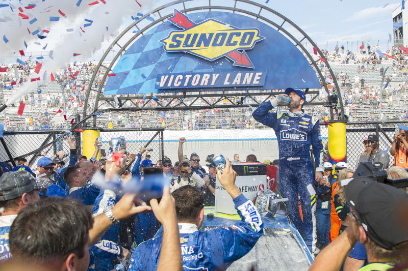 NASCAR: June 04 AAA 400. June 04, 2017 - Dover, DE, USA: Jimmie Johnson 48 wins the AAA 400 at Dover International Speedway in Dover, DE stock images
