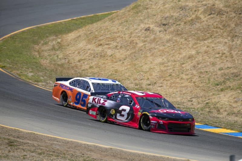 NASCAR: Juni 21 TOYOTA/SAVE MARKNAD 350 royaltyfria foton