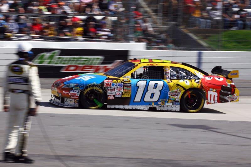 NASCAR - Kyle Busch sur 2 images stock