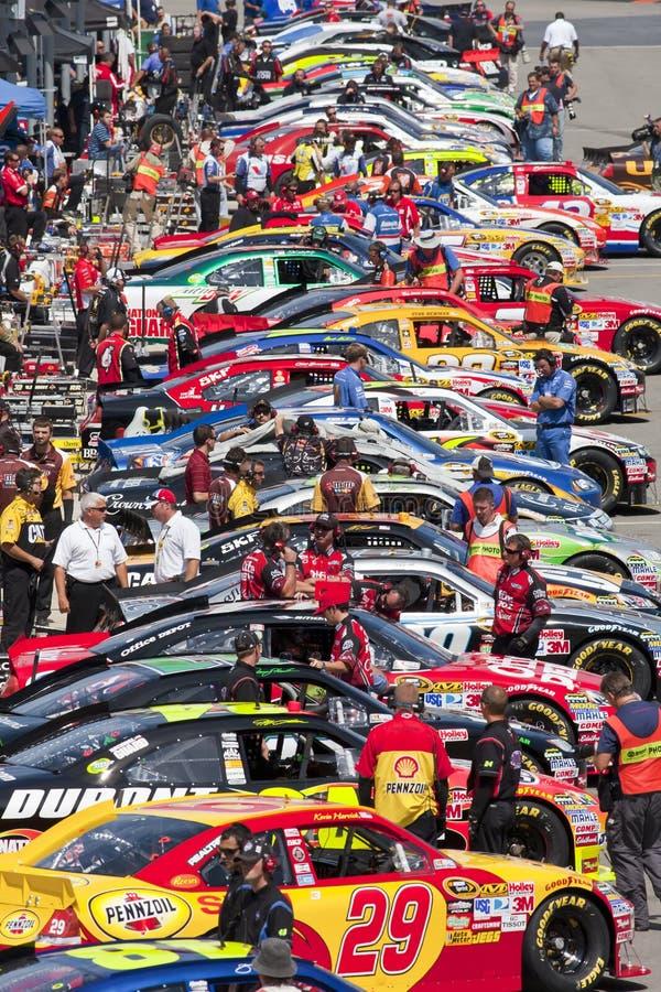 NASCAR : Le 20 août Irwin usine le chemin de nuit images libres de droits