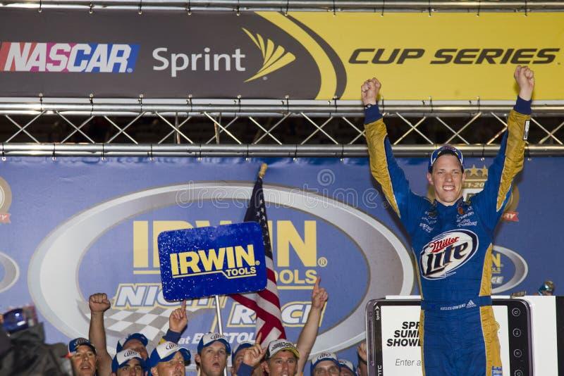 NASCAR : Le 27 août Irwin usine le chemin de nuit images stock