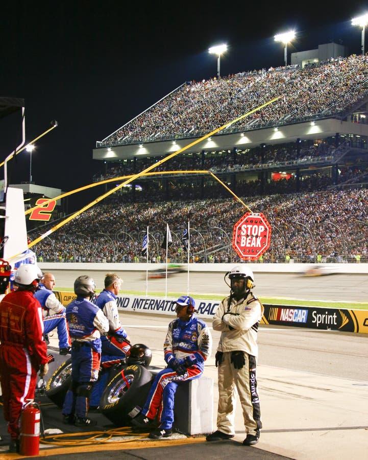 NASCAR - O grupo de poço, oficiais, ventila Richmond fotografia de stock