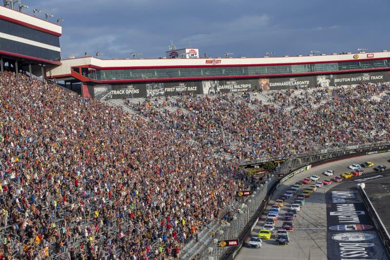 NASCAR: Raça da noite do NRA de Bass Pro Shops do 18 de agosto imagem de stock
