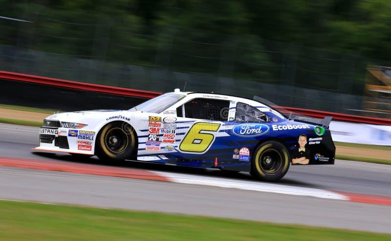 NASCAR-racerbilsförare Darrell Wallace Jr royaltyfri fotografi